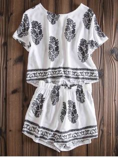 SHARE & Get it FREE   Stylish Jewel Neck Short Sleeve Print Suit For WomenFor Fashion Lovers only:80,000+ Items • New Arrivals Daily • FREE SHIPPING Affordable Casual to Chic for Every Occasion Join RoseGal: Get YOUR $50 NOW!