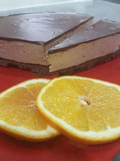 Tripla csokis szelet, amit még sütni sem kell! Nem lehet elmondani, milyen finom lett! No Bake Desserts, Baking Desserts, Cheesecake, Meals, Recipes, Food, Kuchen, Meal, Cheesecakes
