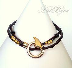 Lederketten - Brown Leather Necklace, Modern Gold Zamak Necklace - ein Designerstück von ArtBijou bei DaWanda