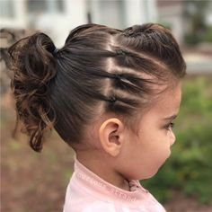 We're ready to rock today, ready for a concert or preschool, whatever happens at in the morning 😂 this is our edgy look, first time I… Girls Hairdos, Lil Girl Hairstyles, Princess Hairstyles, Pretty Hairstyles, Easy Hairstyles, Toddler Hairstyles, Sassy Haircuts, Birthday Hairstyles, Amazing Hairstyles