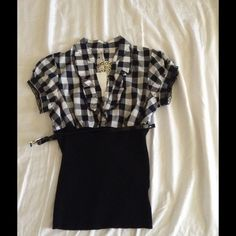 Color block gingham and black belted blouse Nwt!bought from kohls. Runs like small HeartSoul Tops Blouses