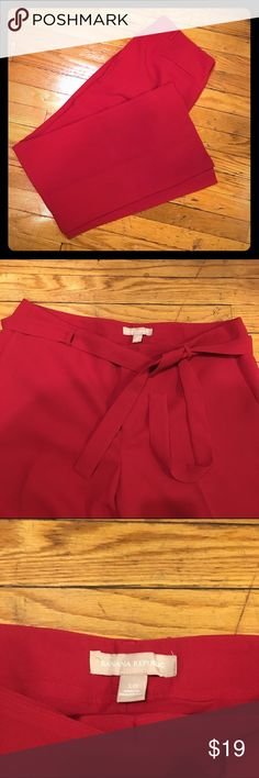 Banana Republic bright red lined dress pants Bright red lines trousers with matching tie belt. Banana Republic Pants Trousers