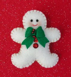 Why You Should Get Your Christmas Decorations Early – Get Ready for Christmas Felt Christmas Decorations, Christmas Ornaments To Make, Christmas Sewing, Christmas Makes, Felt Ornaments, Christmas Art, Christmas Projects, Felt Crafts, Handmade Christmas