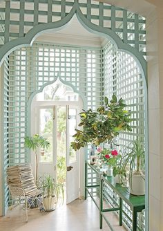 """Southerners love lattice, and here it's used inside to make this little room feel almost like a garden."""