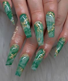 35 Pretty nail art designs for any occasion 35 Pretty nail art designs for any occasion,Nail Art nail art designs, nail design ideas Related Stylish Acrylic White Nail Designs and Ideas. Summer Acrylic Nails, Best Acrylic Nails, Summer Nails, Spring Nails, Acrylic Nails Green, Acrylic Nail Designs For Summer, Green Nail Art, Nail Design Glitter, Nails Design