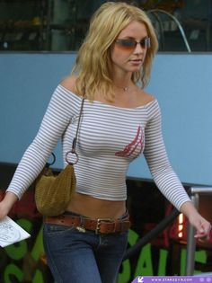 My old Britney Spears body goals, circa early Britney Spears Body, Britney Spears Photos, Pop Singers, Female Singers, Mississippi, Britney Jean, My Idol, Blond, Hot Girls