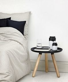 Fabryka Form - Komplet pościeli Plus - Normann Copenhagen Norman Copenhagen, Copenhagen Design, Interior Design Trends, Interior Inspiration, Instagram Deco, Estilo Interior, New Beds, White Wood, Black White