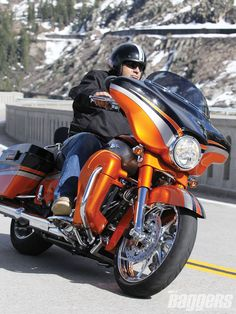 2011 Harley Davidson Cvo Lineup Cvo Street Glide Black Diamond Inferno Orange Photo 12