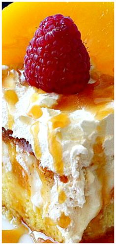 Peaches and Cream Cheesecake ~ A fantastic, mouthwatering dessert! Peaches and Cream Cheesecake ~ A fantastic, mouthwatering dessert! Just Desserts, Delicious Desserts, Yummy Food, Cheesecake Recipes, Dessert Recipes, Peach Cheesecake, Cookies And Cream Cheesecake, Snickers Cheesecake, Yummy Treats