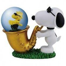 Snoopy Snow Globe