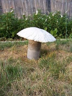 Ljc's Projects: Garden: Concrete Mushrooms