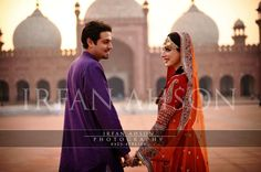 Pakistani wedding at the stunning Badshahi masjid, Lahore Asian Inspired Wedding, Asian Wedding Dress, Asian Bridal, Pakistani Wedding Dresses, South Asian Wedding, Pakistani Bridal, Wedding Couple Poses, Couple Posing, Wedding Couples