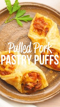 Pulled Pork Pastry Puffs - only 4 ingredients! Great recipe for a quick lunch, dinner or party. Smoky pulled pork tossed with BBQ sauce and cheese then baked in puff pastry. Make Ahead Appetizers, Appetizer Recipes, Dinner Recipes, Simple Appetizers, Seafood Appetizers, Cheese Appetizers, Party Appetizers, Puff Recipe, Puff Pastry Recipes