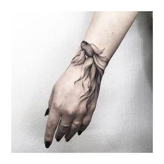Hand tattoo by Vlada Shevchenko - Tattoos - Best Tattoo Ideas Trendy Tattoos, Black Tattoos, Small Tattoos, Elegant Tattoos, Hand Tattoos, Body Art Tattoos, Ankle Tattoos, Wrist Hand Tattoo, Tattoos Skull