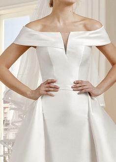 Trouwjurk San Patrick Massard Cocktail Accessories, Bridal Accessories, Off Shoulder Wedding Dress, Wedding Signage, Princess Wedding, Shoulder Sleeve, Formal Dresses, Wedding Dresses, Headpiece