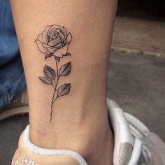 Small rose tattoo design on ankle – tattoo Mini Tattoos, Body Art Tattoos, Tattoos For Guys, Flower Tattoos, Tatoos, White Tattoos, Small Rose Tattoos, Rose Tattoos For Women, Tattoo Women