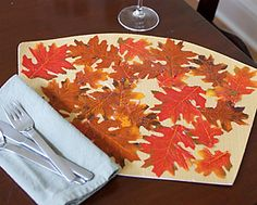 decoupage leaf place mats for thanksgiving dinner.