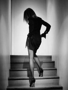 Carine Roitfeld Interview Magazine, Sep 2011 Photo by Karl Lagerfeld Estilo Gigi Hadid, Tights And Heels, Carine Roitfeld, Foto Pose, Black And White Photography, Sexy Legs, Karl Lagerfeld, Editorial Fashion, Fashion Photography