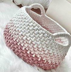 ❤Siga nosso perfil para receber dicas e fotos diariamente❤ . Crochet Bowl, Crochet Basket Pattern, Knit Basket, Crochet Yarn, Knitting Yarn, Crochet Stitches, Crochet Patterns, Crochet Baskets, Yarn Projects