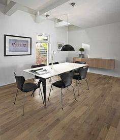 Kosketa tätä kuvaa: Sisustus - olohuone by Etuovi.com Sisustus