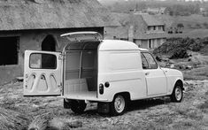 Renault 4 Fourgonette, I feel I need one. A blue one, for my gardening business. If I start one. Citroen Ds, Retro Cars, Vintage Cars, Jaguar Type E, Coffee Van, Commercial Vehicle, Station Wagon, Peugeot, Cars And Motorcycles