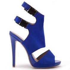 d981dec2901 Οι 54 καλύτερες εικόνες του πίνακα Shoes | Shoe boots, Fashion shoes ...