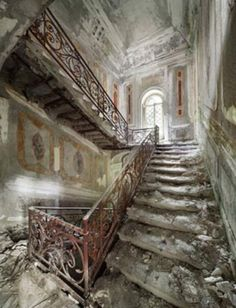 Belgian pilot and photographer Henk van Rensbergen has been exploring abandoned places all his life. A derelict villa at the foot of the Italian Alps. Abandoned Buildings, Abandoned Castles, Old Buildings, Abandoned Places, Old Mansions, Abandoned Mansions, Beautiful Buildings, Beautiful Places, Stairway To Heaven