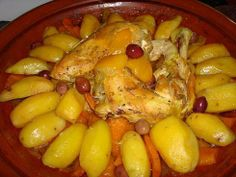 Chicken Tagine with Potatoes and Carrots Moroccan Tagine Recipes, Moroccan Dishes, Moroccan Bread, Moroccan Kitchen, Vegetarian Recipes, Cooking Recipes, Healthy Recipes, Fast Recipes, Savoury Recipes