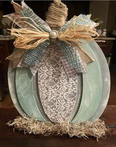 Thanksgiving Decorations, Seasonal Decor, Fall Decorations, Holiday Decor, Holiday Ideas, Pumpkin Crafts, Fall Crafts, Diy Crafts, Pumpkin Wreath