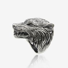 Silver Stark ring by Aristocrazy http://cuchurutu.blogspot.com.es/2014/04/game-of-thrones-fashion-ha-vuelto.html