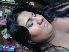 Maquillaje en colores platas verdes lima y azul