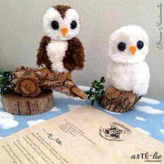 Bom dia amigos! Essas corujinhas fofas eu fiz para o stand da We Care About na mega artesanal. Foram feitas com o faz pompom Wecare About.<3 #coruja #correioCoruja #pompom #megaArtesanal #hogwarts #euQueroEssaCarta #owl #harryPotter #potter