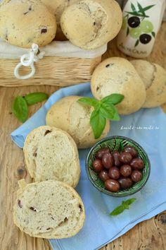 Romanian Food, Delicious Sandwiches, Vegetarian Recipes, Potatoes, Tasty, Bread, Cookies, Vegetables, Desserts