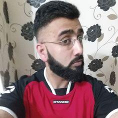 Beard on point  #selfie#beardgang#beardporn#beardgains#beardselfie#beardgrowth#daarigang#sunnahgang#freshtrim#barber#hairstyle#haircut#beardonpoint#hairdresser#skinfade#art#geek#fade#pogonophile#asian#desi#punjabi#gains#gym#muscle#lifting#exercise#fitnessfreak by khurram_ahmed_