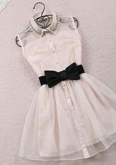 Little white dress. This is so cute!!!