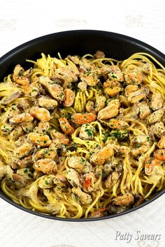Pasta and Mussels Creamy Wine Sauce - - Pasta and Mussels Creamy Wine Sauce Patty's Savory Recipes Pasta and Mussels Creamy Wine Sauce, garlic mussels pasta recipes, shelled mussels pasta recipes, frozen mussels without shells recipe Fish Recipes, Meat Recipes, Seafood Recipes, Cooking Recipes, Recipes Dinner, Garlic Mussels, Baked Mussels, Mussels Seafood, Potatoes