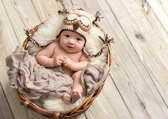 Crochet  OWL HAT  great BABY gift  photo prop