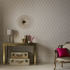 Ritzy Cream and Gold Wallpaper