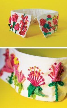 Señorita Lylo embroidered collar // sculptural embroidery stitches // flower embroidery // embroidered clothing