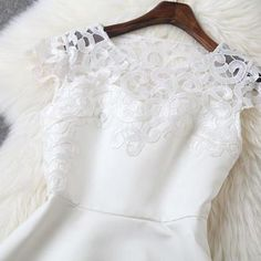 Shoulders hollow white dres..