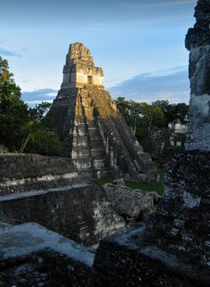 """visitheworld: """"The mayan legacy, Tikal / Guatemala (by Hanoi Mark). Tikal, Places To Travel, Places To See, Countries In Central America, Culture Art, Mexico Travel, Vacation Trips, Vacations, Hanoi"""