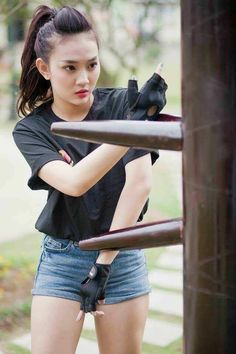 Choosing The Best Martial Arts Style – Martial Arts Techniques Martial Arts Styles, Martial Arts Techniques, Martial Arts Women, Martial Arts Workout, Boxing Workout, Wing Chun Martial Arts, Female Martial Artists, Karate Girl, Art Poses