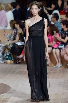 Beautiful Greek Regal inspired Valentino Autumn/Winter '15 collection