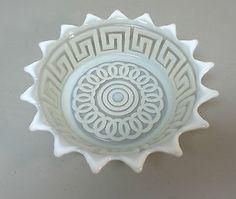 RARE-AMTIQUE-OPALESCENT-ART-GLASS-BOWL-DISH-GREEK-KEY-DESIGN-c-1890