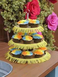 Pinata Cupcakes change to yellow cake and pink or blue candies inside