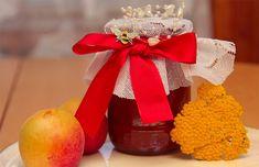 Domácí marmeláda je výborná, používám ji hlavně při pečení, na palačinky, lívance nebo natřem na pečivo k snídani. Cooking Recipes, Table Decorations, Tableware, Med, Syrup, Dinnerware, Chef Recipes, Tablewares