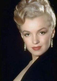 Marilyn Monroe.-------------Lovely!!