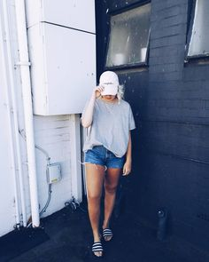 Fashion blogger on vacation  #whatiwore #fashionstatement #vacationvibes #newzealand