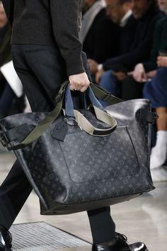 Louis Vuitton Fall 2016 Menswear Accessories Photos - Vogue Louis Voitton,  Lv Taschen, Louis dd0f8ae0ca0