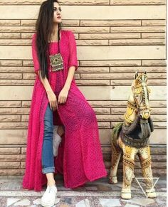 This post features New trendy ways to wear kurti with jeans and explore how to wear slit, short, long kurti and peplum with jeans. Dress Indian Style, Indian Dresses, Indian Outfits, Kurti Designs Party Wear, Kurta Designs, Indian Attire, Indian Wear, Stylish Dresses, Casual Dresses